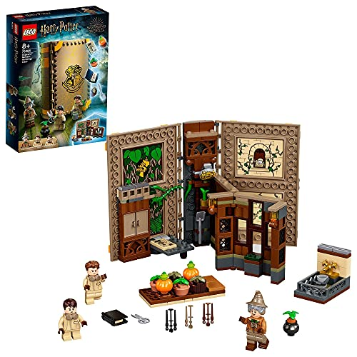 LEGO 76384 HarryPotter Poudlard:LeCoursdebotanique, Livre de Collection de la Classe d'herboristerie, Mallette de Voyage