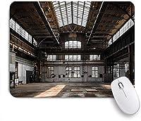 ECOMAOMI 可愛いマウスパッド 格納庫の内部の産業古い建築建設都市の老朽化した窓 滑り止めゴムバッキングマウスパッドノートブックコンピュータマウスマット