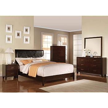 Amazon Com Esofastore Master Bedroom Furniture Set 4 Piece Twin Sizes Bed Set Cherry Finish Wood Furniture Decor
