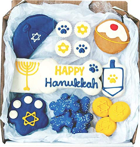 Wüfers Hanukkah Dog Cookie Treats | Christmas Dog Treats for Small Dogs and Large Dogs | Frosted Dog Bone Biscuits Handmade and Hand-Decorated with Locally Sourced Ingredients