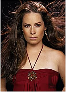 Charmed 8x10 Photo Holly Marie Combs/Piper Halliwell Sexy Scarlet Top Hair Blowing Free kn