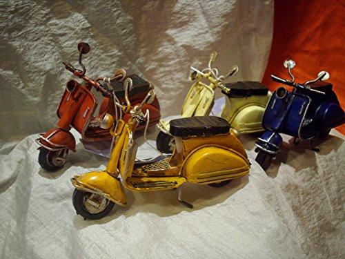 L'ANGOLO BARLETTA Moto Miniatura Scooter bomboniera Battesimo Nascita Matrimonio Laurea Mitica Vespa CM 10.5