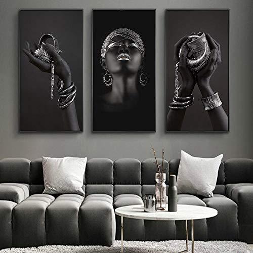 Manos negras sosteniendo joyas de plata Pintura en lienzo en la pared Carteles e impresiones artísticos Mujer africana Imagen artística Decoración de la pared de la habitación 50x100cmx3Pcs Sin marco