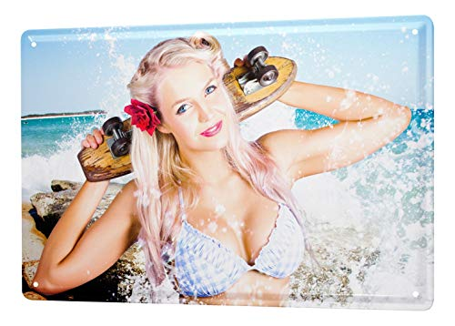 LEotiE SINCE 2004 Blechschild Dekoschild Nostalgie Jorgensen Fotografie Foto Bilder Model Blondine Skateboard Meer Wasser Bikini 20x30 cm