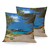 Sloth Pillowcase Beach, View on Cala Algaiarens from Sand Pathway Cliff in Water Menorca Island Europe Theme, Multicolor Home Sofa Decoración al Aire Libre Funda de Almohada Cuadrada