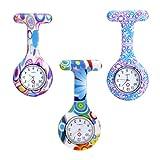 Abb. Amazon:JSDDE Uhren Krankenschwesteruhr Set Pulsuhr FOB Uhr Pflegeruhr Ansteckuhr Silikon Hülle Schwesternuhr Damenuhr Brosche Taschenuhr Analoge Quarzuhr (3 Stück Set)