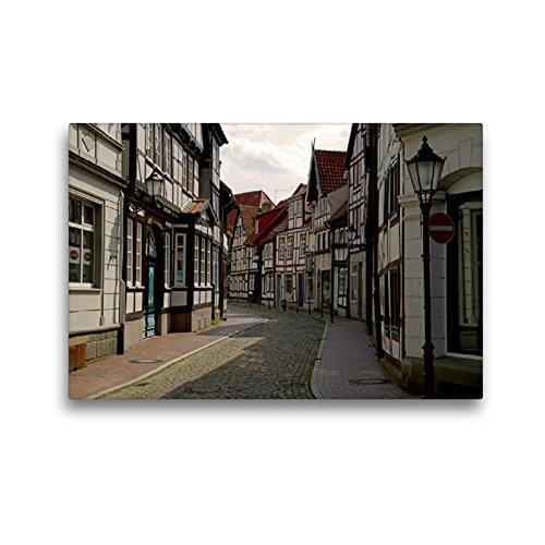CALVENDO Premium Textil-Leinwand 45 x 30 cm Quer-Format Gasse in der Hamelner Altstadt, Leinwanddruck von Martina Berg