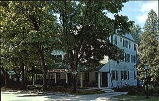 The Walloomsac Inn Old Bennington, Vermont Original Vintage Postcard