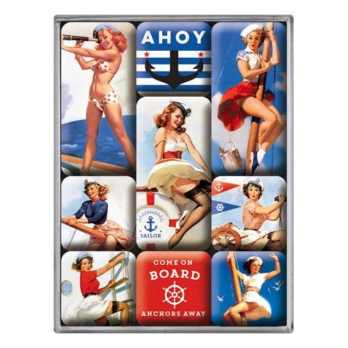 Nostalgic-Art Juego de Imanes Retro Pin Up – Ahoy – Idea de Regalo para Hombres, Decoración para la Nevera, Diseño Vintage, 7x9.3x2 cm