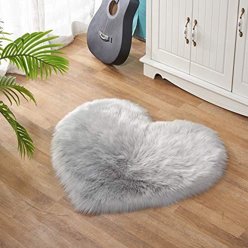 Lanqinglv Alfombra de piel de cordero sintética, pelo largo, muy suave, imitación de piel de cordero, decoración mate, universal para silla, sofá o cama (gris claro, 50 x 70 cm)