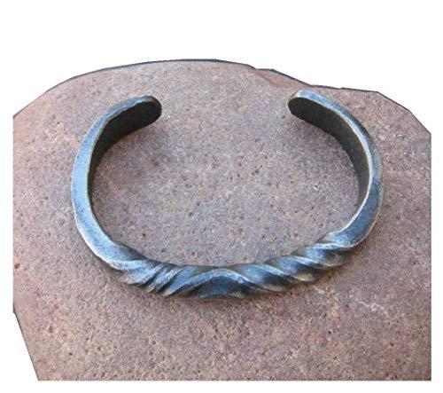 Pulsera de hierro forjado a mano