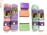 Udc - Conjunto compuesto de 4 paños (blanco, parma, verde agua y rosa) y 4 jabones de Marsella (jazmín, melocotón, aloe vera y lavanda) 50 x 70 cm - 100% algodón.