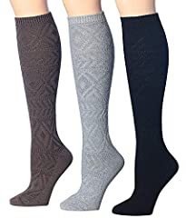 fits shoe size 6-10 (sock size 9-11) medium weight thickness. they will keep you warm through the cold winter in your boots and booties without being to heavy and thick Pairing well with sneakers or boots, you'll love showing the classic knit pattern...