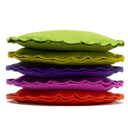 Hey Sign Dekokissen Filz Kissen PAI rund viele Farben, Farbe:30 - Maigrün