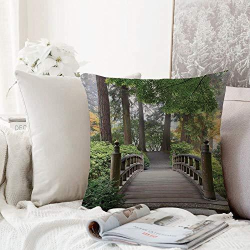 Fangguan decoración Cuadrada, Decoración del apartamento, brumoso Puente de Madera de la mañana en el jardín japonés con Varios Tipos d,Funda de Almohada Almohada para Coche Almohada para sofá casero