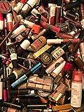 32 productos cosméticos. Paquete de marcas de maquillaje, cosméticos.