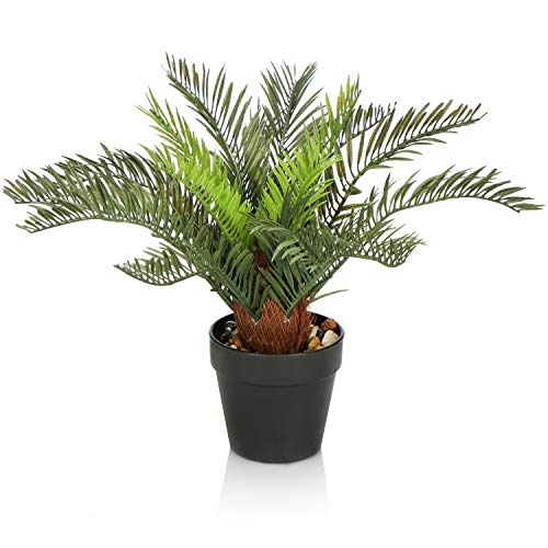 com-four® Kunstpalme im Topf, künstliche Palme mit Steinen im Topf, Pflegeleichte Kunstpflanze für Zuhause, Büro, Praxis oder Kanzlei (01 Stück - Palme)