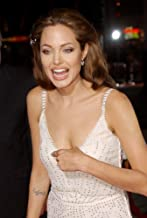 Posterazzi Poster Print Angelina Jolie at The Premiere of Sky Captain and The World of Tomorrow Sept. 14 2004 in Los Angeles Calif. (Photo by John HayesEverett Collection) Celebrity (16 x 20)