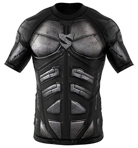 SMMASH Dark Knight Rashguard Kurzarm Herren, Kampfsport Funktionsshirt Herren Atmungsaktiv und Leicht, Sportoberteile für MMA, Krav MAGA, BJJ, K1, Slim Fit, Hergestellt in der EU (L)