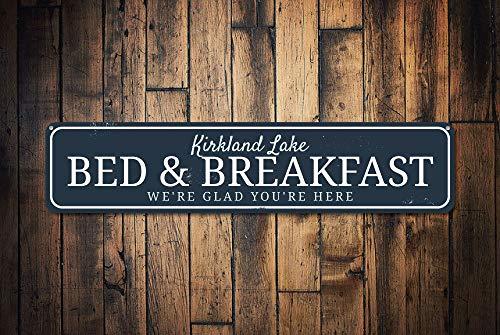 C-US-lmf379581 Bed & Breakfast Teken Gepersonaliseerd Wij zijn blij dat u hier Teken Lake Locatie Naam B En B Lake House Decor Kwaliteit Aluminium