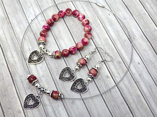 Conjunto de joyas para mujer en cuentas de jade teñidas en rojo y verde con colgante de filigrana en forma de corazón