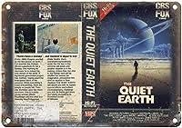 2個 静かな地球CBSフォックスビデオVHSボックスアートレトロルックおかしい金属錫壁サイン8X12インチ