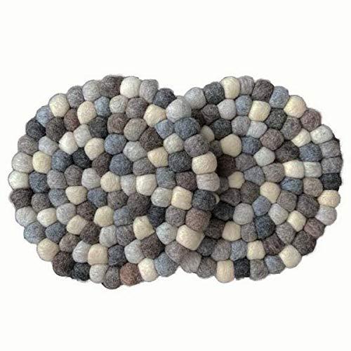 maylow Yoga mit Herz felticrafts Topf Untersetzer aus Filz Handmade Filzkugeln schmutzabweisend wasserabweisend (2er Set grau - rund, Ø 20 cm)