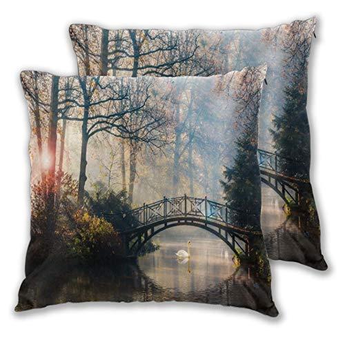 GUVICINIR Juego de 2 Fundas de cojín,Brumoso paisaje otoñal con hermoso puente viejo con cisne en el estanque en el jardín con follaje de arce rojo,Cuadrado Suave Funda de Almohada Sofá Sillas,45x45cm