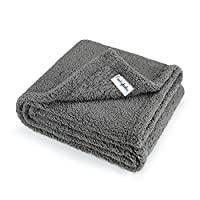 MEDIUM SIZE: 80*100cm(32*40inch), perfect for medium size dogs, such as French Bulldogs, Scottish Terriers, Pug, Poodle, Bull Terriers, Corgi, Jack Russell etc. MATERIAL: Made of environment friendly thick soft comfy fleece WASHING: Machine washable ...