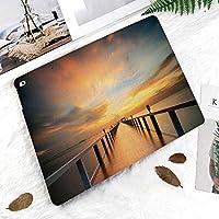 iPad 2/3/4 対応 2つ折りケース スタンド機能 オートスリープ超薄型 傷つけ防止ケース 手帳型カバー 環境にやさしい材質劇的な空と夕焼けの地平線に海に沿って木製デッキ橋秋の風景プリント