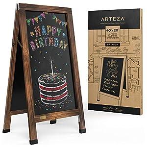 Arteza Pizarra magnética con caballete plegable, 1m x 50 cm, pizarra con patas para exterior, doble cara, marco de roble, resiste a la intemperie, para letreros de menús, ofertas, anuncios y eventos