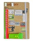 Emartbuy Genial Set de Regalo Unico de Papelería Con Diario del Cuaderno de Cassettes A5, Borrador Retráctil, Lápiz, Clip de Carpeta