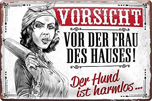 """schilderkreis24 – Blechschild Lustiger Spruch """"Vorsicht vor der Frau des Hauses! Hund harmlos."""" Deko Vintage Humor Retro Geschenkidee Geburtstag Weihnachten Mann Frau 20x30 cm"""
