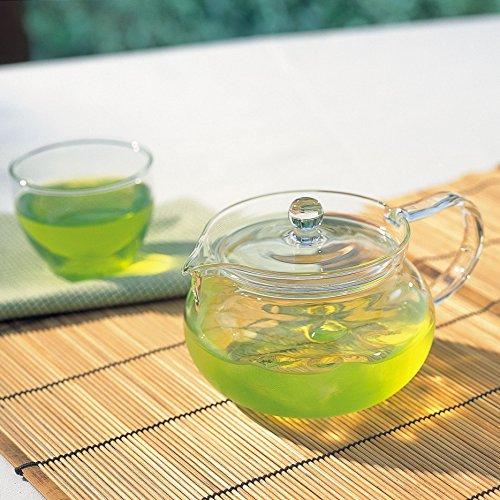 色やにおいがうつりにくい耐熱ガラス製の急須。本体・蓋ともにガラス製で透明なので、お茶の色合いを目で楽しむことができます。日本茶、中国茶、紅茶など、お茶の種類を問わず使えるデザイン。