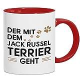 Der mit dem Jack Russel Terrier geht Tasse | Hunde | Herrchen | Gassi gehen | Kaffeetasse mit Farbe | Keramik-Becher © Shirt Happenz, Farbe:Rot (Intone);Größe:onesize