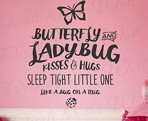 Vlinder en Lieveheersbeestje Kussen en Knuffels Slaap Strakke Kleine Een Als Een Bug Op Een Tapijt - Meisje Kamer Kids Baby Kwekerij - Muursticker Zeg B25B Makkelijk aan te brengen en Verwijderbaar