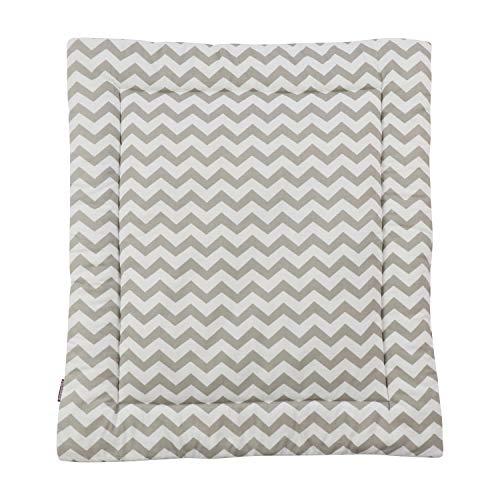 Puckdaddy Wickelauflage Svea - 65x75 cm, Wickelunterlage aus 100% Baumwolle mit Chevron- Streifen Muster in Weiß, weiche Wickeltischauflage für Wickelkommoden, waschmaschinengeeignet