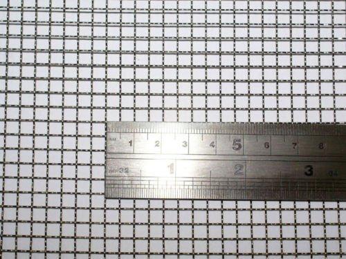 産業用金網 ステンレス平織金網 線径0.70mm:5メッシュ 開目4.5mm[幅300mm×高600mm] ネズミ侵入防止 防鼠金網 ガーデンワイヤーネット キャビネット メッシュ 網戸メッシュ(1)