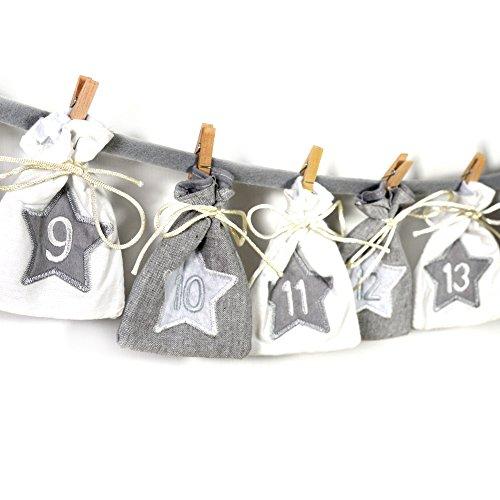 Frau Wundervoll, Calendario dell'avvento, sacchetti di stoffa grigi e bianchi, 8,5x 11,5cm; motivo: calendario natalizio