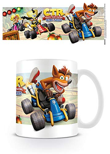 Crash Bandicoot MG25573 - Taza de cerámica (315 ml), diseño de carreras
