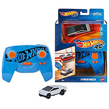 Hot Wheels R/C 1:64 Scale Rechargeable Radio-Controlled Racing Cars for Onor Off-Track Play, Includes Car, Controller…