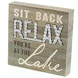 Barnyard Designs Dekoschild Sit Back and Relax You're at The Lake, rustikal, Holz, Seehaus, Hütte, Wohnwand, 20 x 20 cm