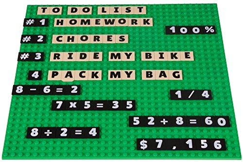 Strictly Briks Alpha & Mathbriks - Stapelbare Bauplatte & 200 Buchstaben-Plättchen und Zahlen-Plättchen mit 2x2 Noppen zum Lernen & Spielen - kompatibel mit Allen Marken - Grüne Bauplatte 25,4x25,4cm