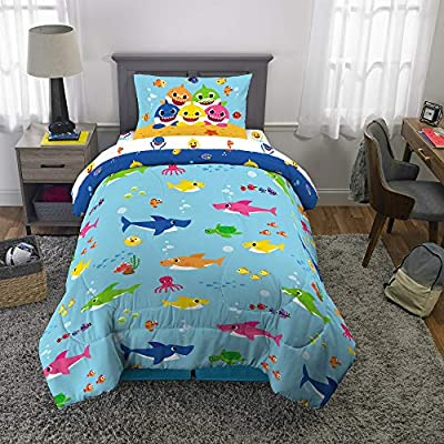 pink fong Baby Shark Big Time Shark 4 pc. Bed Twin Bed Set (Reversible Comforter, Fitted Sheet and Flat Sheet and 1 Pillowcase) + Bonus Bag