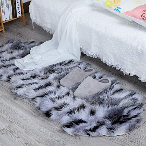 loudbay Soft Faux Fur Rugs Fluffy Carpet Plush Chair Seat Cushion Plush Carpet Suitable for Bedroom Floor Sofa Living Room (60 x 160 cm, Double Color Black/White)