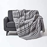 Homescapes Tagesdecke Morocco, grau, Sofa-Überwurf aus 100% Baumwolle, weiche Wohndecke 150 x 200 cm, dunkelgrau gestreift, mit Fransen
