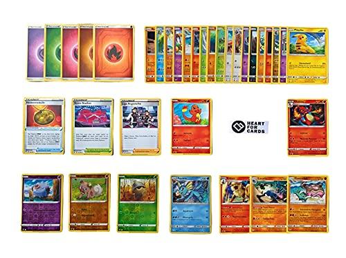 Pokemon Karten deutsch 50 Verschiedene Pokémon Karten 3 Seltene - 4 Holo - 1 zufällige Pikachu oder Glumanda Karte Originale Pokemon Karten aktuelle Sets + 100 Heartforcards® Card Guard Kartenhüllen