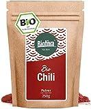 Chili poudre BIO - poivre de Cayenne 250g - poudre finement broyé (capsicum cayennense) - poudre de piment de feu - Qualité supérieure organique - en bouteille et contrôlée en Allemagne (DE-ÖKO-005)