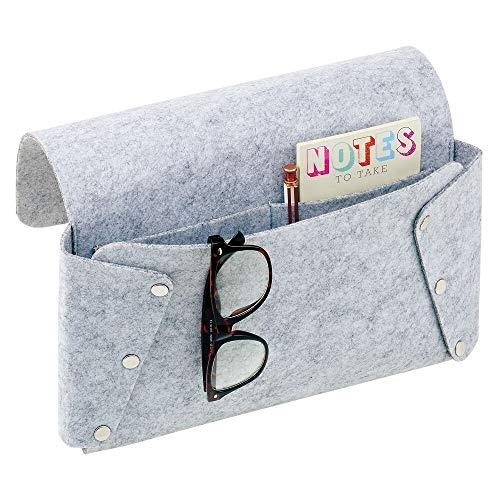 mDesign nachtkastje — opknoping bed Caddy met 2 binnenvakken — slaapkamer opbergvak voor afstandsbediening, telefoons, tablets en meer — lichtgrijs/chroom