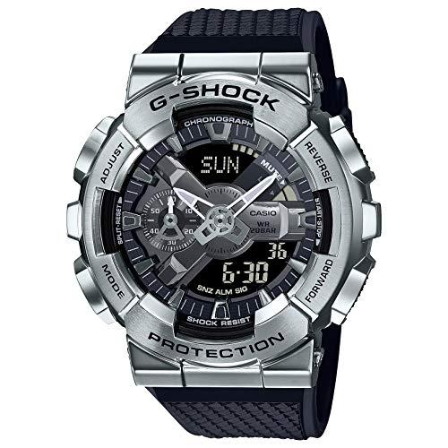 Casio G-Shock GM110-1A Reloj analógico digital con bisel plateado